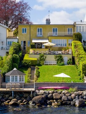 Taarbæk Strandvej 136, Direkte til Øresund